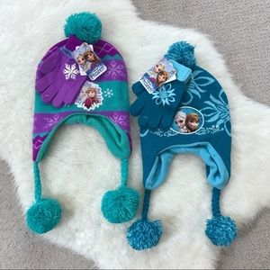 NWT Kids Frozen Beanie and Glove Set